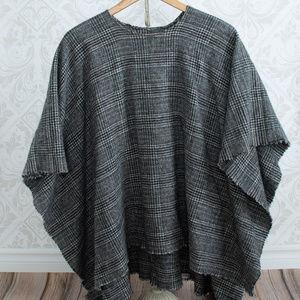 Sweaters - PLAID WOOL PONCHO CAPE Black, white one size